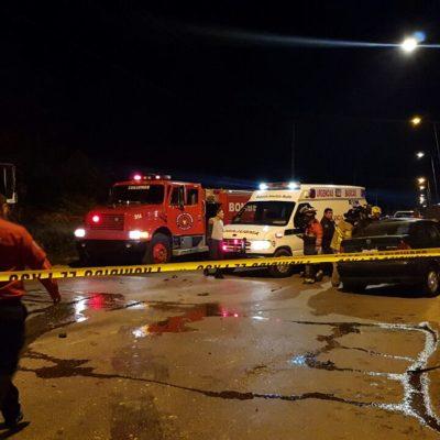 MORTAL ACCIDENTE EN CANCÚN: Dos muertos y un herido al chocar automóvil contra camión de la basura por el Arco Vial