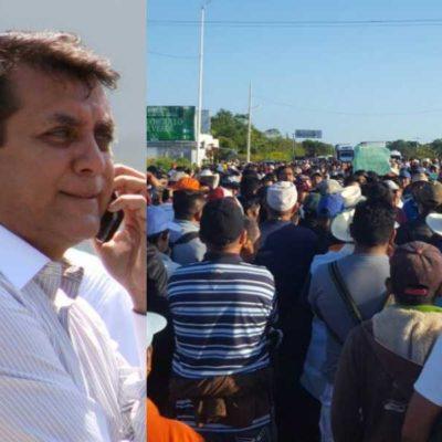 BROTA VIOLENCIA EN BLOQUEO EN BACALAR: Agreden ejidatarios a enviado del Gobierno y lo hacen firmar acuerdo que no es reconocido por ilegal