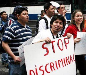 Homosexualidad, pobreza, ser portador del VIH-SIDA y ser indígena, factores de discriminación en QR: encuesta