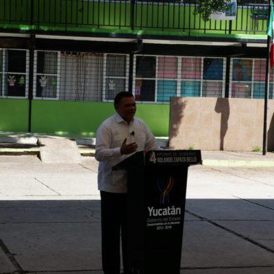 Anuncia Gobernador de Yucatán paquete de obras en cuarto informe transmitido por internet desde el patio de una escuela