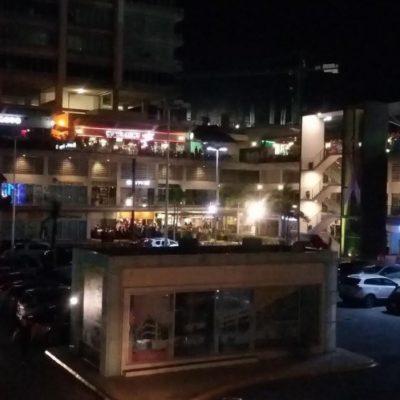 EJECUTAN A OTRO EN PLAZA SOLARE: Atacan a balazos a un hombre, casi un mes después de otro incidente similar en Cancún