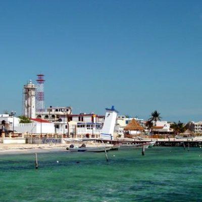 Piden a Alcaldesa Laura Fernández reconsiderar obras de remodelación del malecón y parque de Puerto Morelos; hay otros temas más prioritarios, dicen