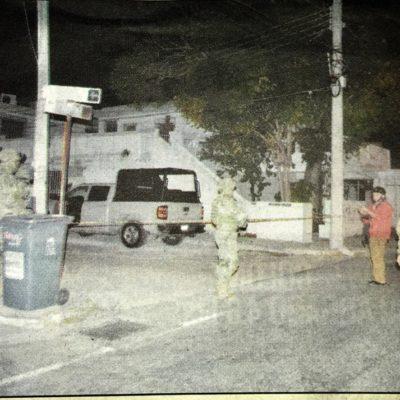 CATEAN VIVIENDA ATRIBUIDA A FAMILIARES DE BORGE: Con un fuerte operativo de soldados y marinos, PGR revisa propiedad en la SM 3 de Cancún