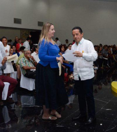 Rompeolas: Empieza Carlos Joaquín a  perfilar un 'estilo'
