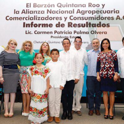 Asiste Gobernador a informe de líder barzonista en Quintana Roo