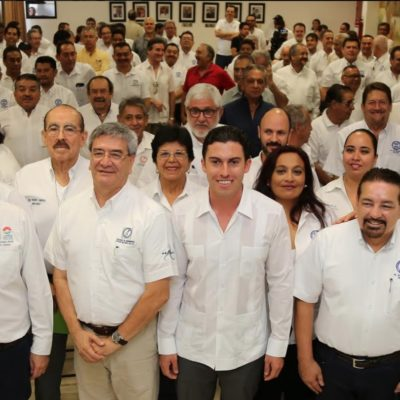 Entrega Alcalde acreditaciones a Directores Responsables de Obra; pide consolidar una infraestructura de calidad en Cancún