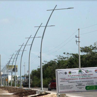 Inician colocación del alumbrado público de la Avenida Huayacán de Cancún con inversión de 15 mdp