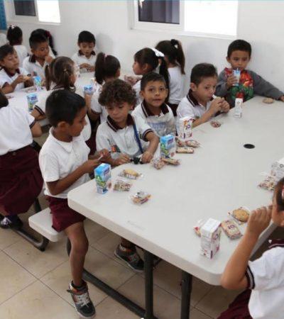 Suman más de 12 mil niños beneficiados con desayunos escolares en Cancún