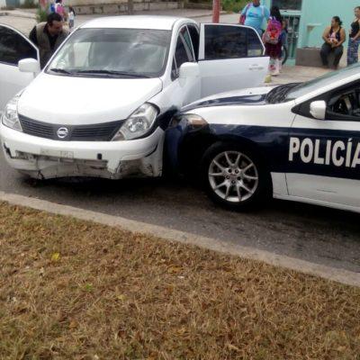 Persiguen policías a conductora de Uber en Cancún y carrera termina en accidente