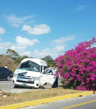 APARATOSO CHOQUE EN LA VÍA PLAYA-TULUM: Van de transportadora turística se accidenta pasando Paamul