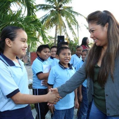 Alista Alcaldesa programa de becas para estudiantes de escuelas públicas en Tulum
