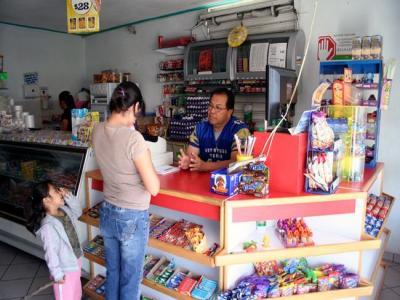 Implementan en Cancún y Chetumal módulos del programa 'Crédito a la palabra' para impulsar pequeñas y medianas empresas