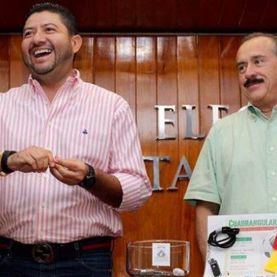 Rompeolas: Pastelazo a Víctor Vivas
