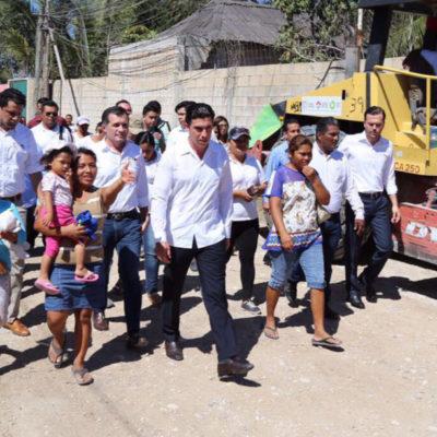Inicia Alcalde rehabilitación de terracerías en la Región 243