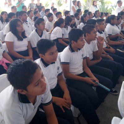 Tiene gran respuesta programa de becas para estudiantes en Puerto Morelos