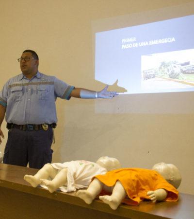 Capacitan a funcionarios y trabajadores en materia de prevención de incendios y primeros auxilios en Puerto Morelos