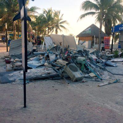 DEMUELEN SÍMBOLO DEL BORGISMO: Derriban la polémica taquilla de Barcos Caribe construida en la vía pública de la zona turística de Playa