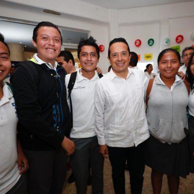 Plantea Gobernador empleos mejor pagados como un paso para restablecer el tejido social