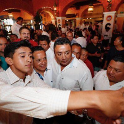 Se reúne Carlos Joaquín con líderes y trabajadores de la CTM en un 'desayuno de la unidad'