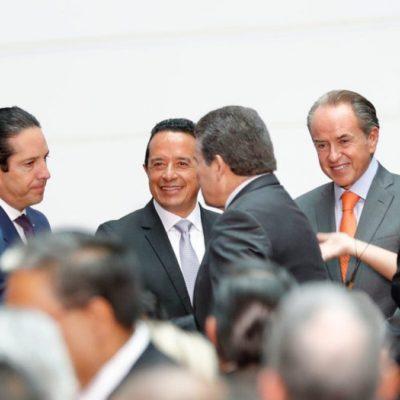 VIENEN CAMBIOS EN ESCUELAS: Acude Carlos Joaquín a la presentación del nuevo modelo educativo