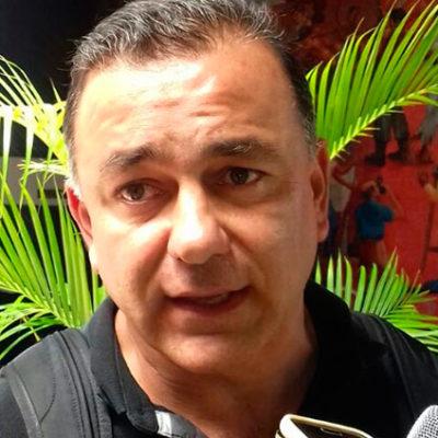 Rompeolas: Carlos Mimenza llega a cubrir vacíos