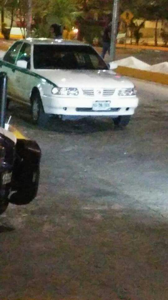 BALEAN A OTRO TAXISTA EN CANCÚN: Intentan ejecutar a ruletero en plena Yaxchilán durante la madrugada; una mujer, herida