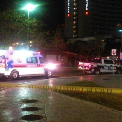 MATAN A POLICÍA FRENTE A PLAZA SOLARE: Rafaguean patrulla y muere segundo agente en menos de una semana en Cancún
