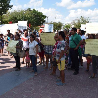 Familias de 'El Fortín' a la espera de ser reubicados; cumple 7 días plantón permanente en Palacio Municipal