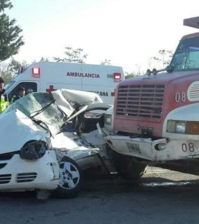 TRÁGICA MUERTE DE UN PARAMÉDICO: Volquete choca contra auto la autopista a Mérida, en las afueras de Cancún