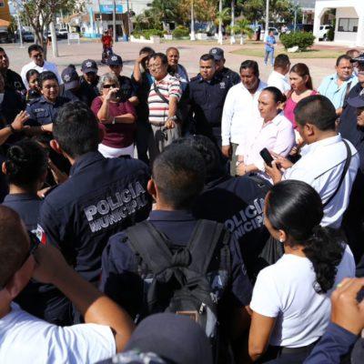 PLANTÓN DE CADETES EN PLAYA: Reclaman mejoras laborales frente al Palacio Municipal; ofrece Alcaldesa aumento de sueldo y levantan protesta