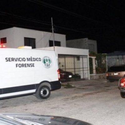 FEMINICIDIO EN PLENA CALLE DE MÉRIDA: Ante la mirada de peatones, un hombre mata a puñaladas a su ex esposa a un costado de Plaza Fiesta