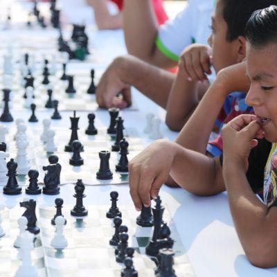 Realiza Alcalde 'Feria Deportiva' en la Región 510 de Cancún
