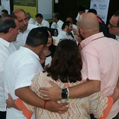 Reuniones informales del gabinete durante largas pausas en la audiencia del Gobernador con ciudadanos