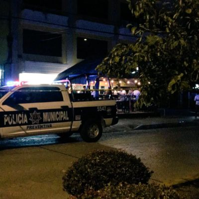 DETONACIONES EN PLENO CENTRO DE CANCÚN: Hombre armado realiza disparos en la Avenida Náder; no hay heridos ni detenidos
