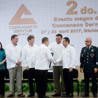 Acude Gobernador de QR a reunión nacional de la Concanaco-Servitur en Mérida