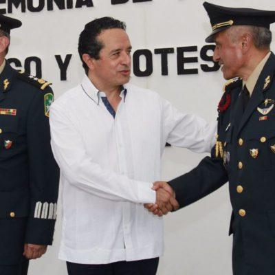 RELEVO DEL EJÉRCITO EN EL SUR DE QR: Asume General Gabriel García Rincón mandó de la 34 Zona Militar y se reúne en privado con Carlos Joaquín