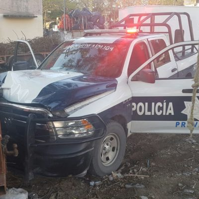 ROBO, FUGA Y APAÑÓN: Persecución y disparos en calles de Cancún deja una patrulla chocada, un herido y dos detenidos