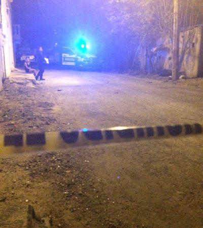 Reportan asesinato de una persona al resistirse a un supuesto asalto en la SM 67 de Cancún; dicen que podría ser crimen pasional
