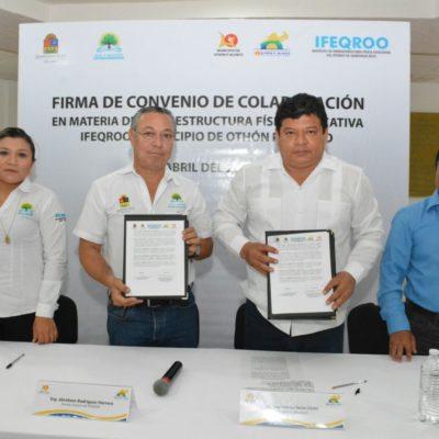 Firma Luis Torres convenio con el Ifeqroo para mejorar escuelas en OPB