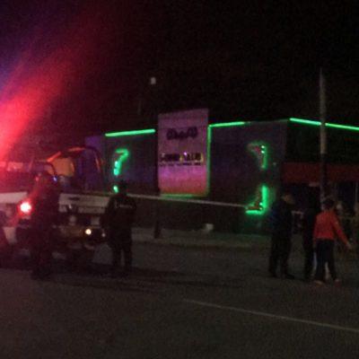 BALACERAS EN CANCÚN Y EN TULUM: Atacan a balazos bar 'Solid Club' en la Portillo y una vivienda con saldo de un muerto y 2 heridos