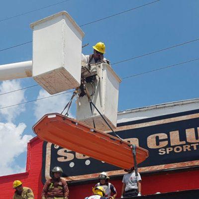 PEGA LA TRAGEDIA AL 'SOLID CLUB' DE CANCÚN: Luego de ejecutado ayer, hoy dos trabajadores se electrocutan y uno muere