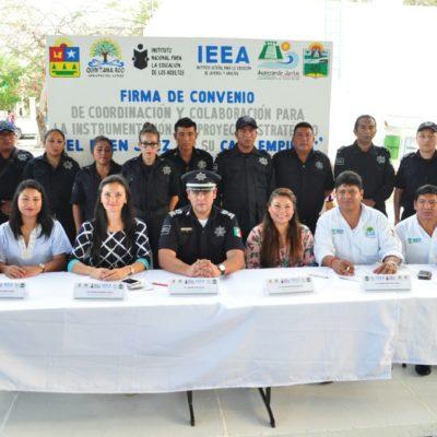 Firma Alcaldesa de Tulum convenio con el IEEA para que empleados de la comuna concluyan estudios