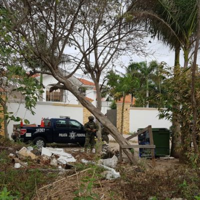 CATEAN RESIDENCIA | DAN GOLPE A 'LOS PELONES' EN CANCÚN: Aseguran militares y federales propiedad en la Avenida Huayacán; hallan armas, drogas y dinero