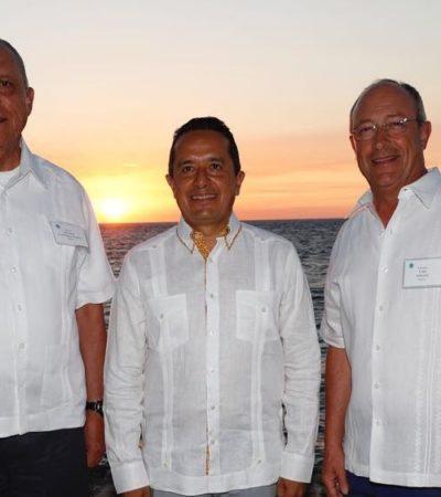 Se reúne el Gobernador Carlos Joaquín González en Cozumel con titulares de la Sedena y la Semar