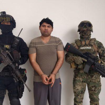 DESCABEZAN A 'LOS PELONES' EN CANCÚN: Cateos permitieron la captura del presunto líder y el decomiso de autos, armas, drogas y dinero
