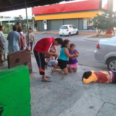 EMBOSCAN EN CANCÚN A FAMILIA DE POLICÍA: Rafaguean auto con saldo de una mujer muerta y 3 heridos, entre ellos 2 menores