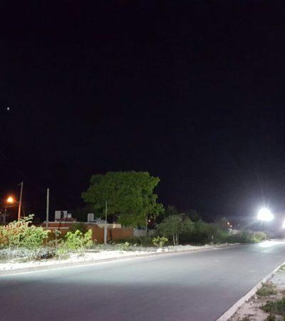 Iluminan transitada arteria en Puerto Morelos