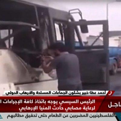 ATENTADO TERRORISTA EN EGIPTO: Al menos 26 muertos y 25 heridos en ataque a un autobús con cristianos coptos
