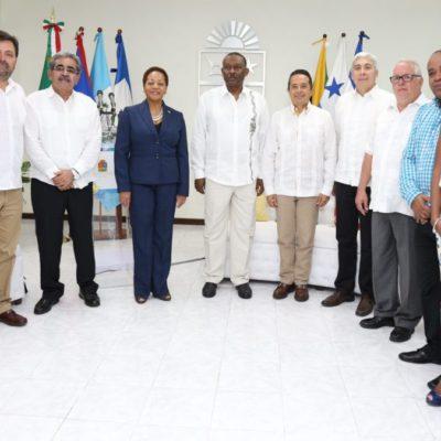 REUNIÓN PRIVADA DEL GOBERNADOR CON EMBAJADORES: Destaca Carlos Joaquín el peso turístico de QR en México