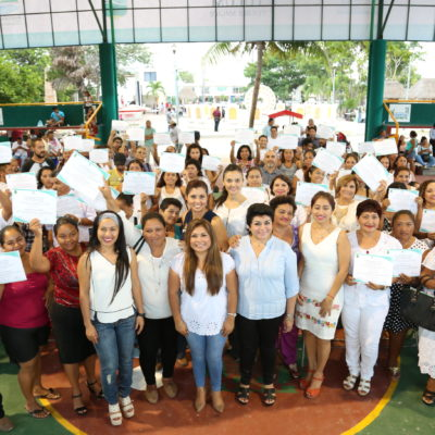 Rinden protesta comités de vecinos en Tulum